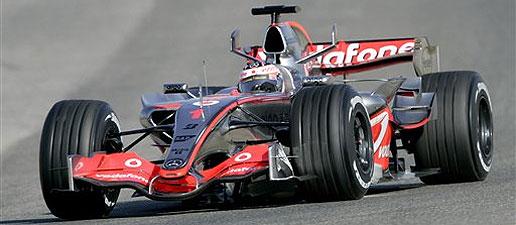 Alonso vuelve a Valencia para comenzar una intensa pretemporada con McLaren